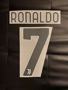 Flocage Cristiano Ronaldo #7 Juventus. Name Set. Home 2020 2021. Third