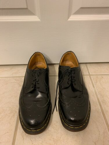 Vintage 90s UK Size 11 / US Size 12 Black Wingtip