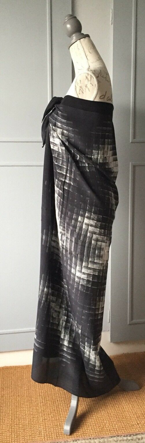 TAGS RRP £170.00 GOTTEX BLACK KINETIC PAREO//SARONG  100/% SILK LARGE  NEW