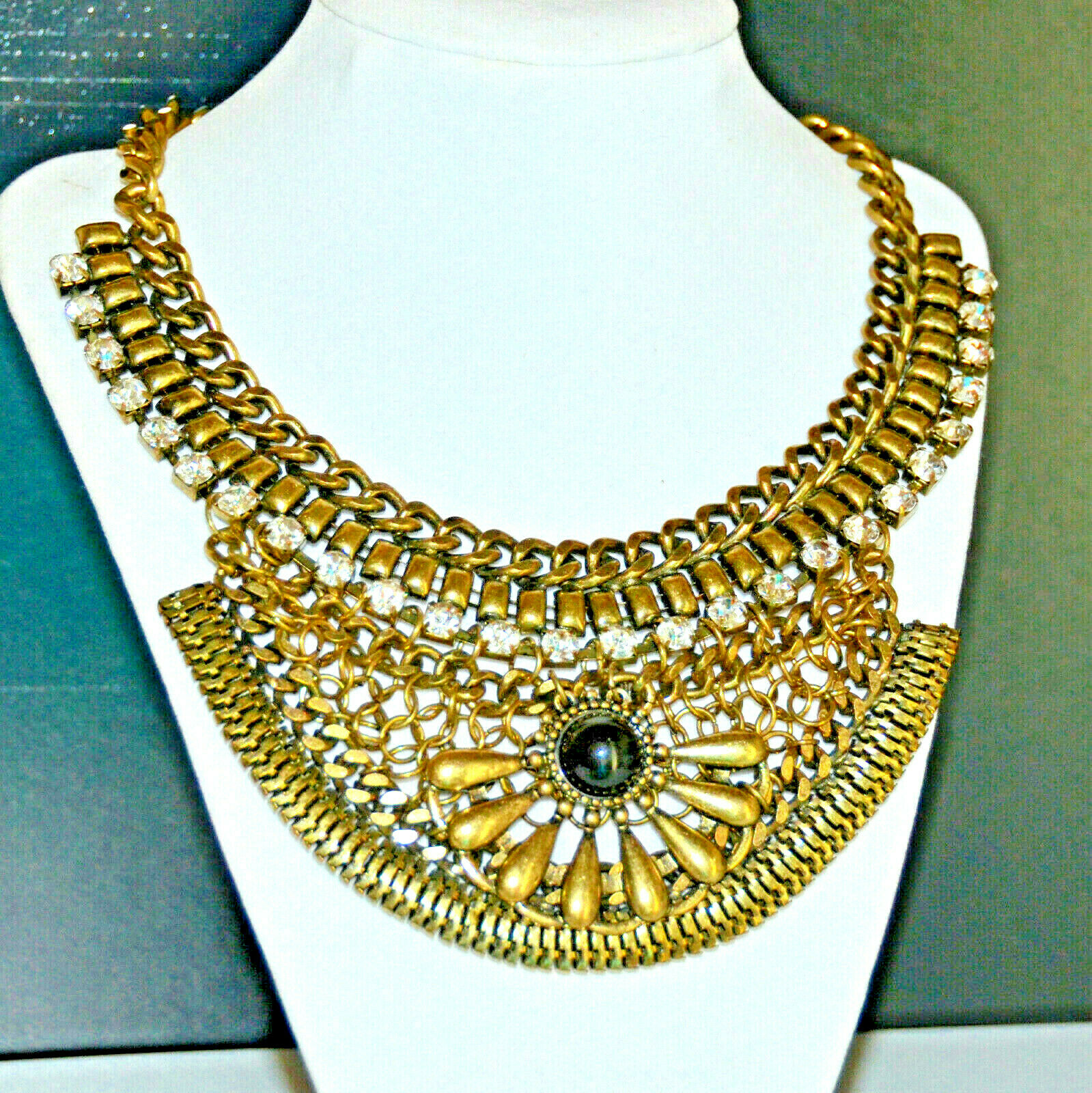 Vintage Retro Animal Print Dangle Beaded Necklace On Gold Tone Chain*