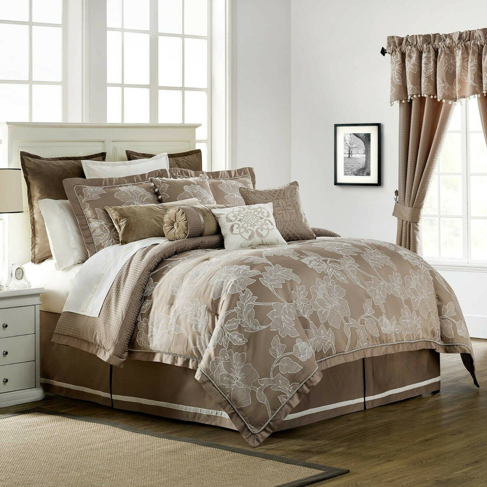 Waterford Trousseau 4P King comforter set Mocha