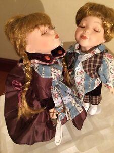Porcelain Dolls Set Windsor Collection 12034 Christmas Present - burton on trent, Staffordshire, United Kingdom - Porcelain Dolls Set Windsor Collection 12034 Christmas Present - burton on trent, Staffordshire, United Kingdom