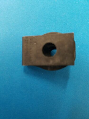 "Extruded /""U/"" Nuts #10-24 bolt Size Gm 25 Pcs Speed Clip Locking"