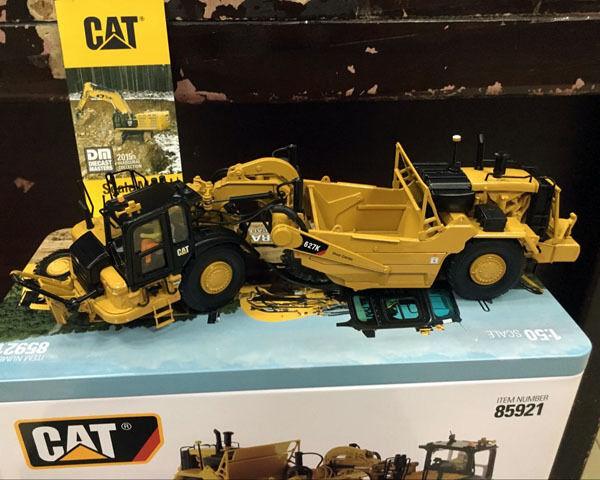 RARE CATERPILLAR CAT 627K tracteur à roues-Grattoir 1 50 par Diecast Masters DM 85921