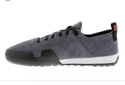 Five Ten Urban Approach Stone Grey Men/'s  5380 Size 10.5