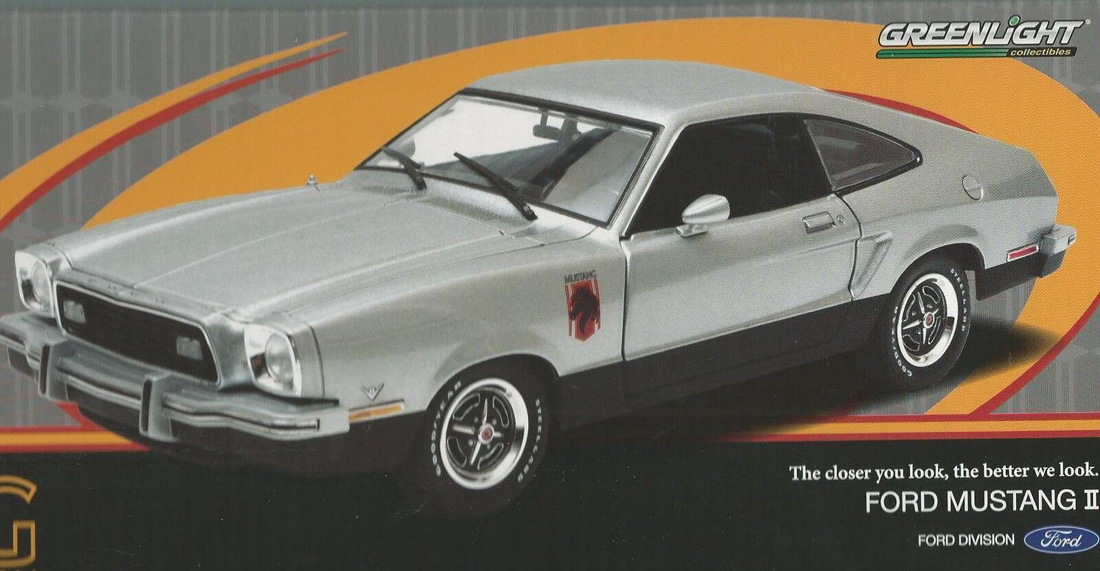 1 18 vertLIGHT AUTO DIE CAST FORD MUSTANG II STALLION 1976 ARGENT ART. 12890