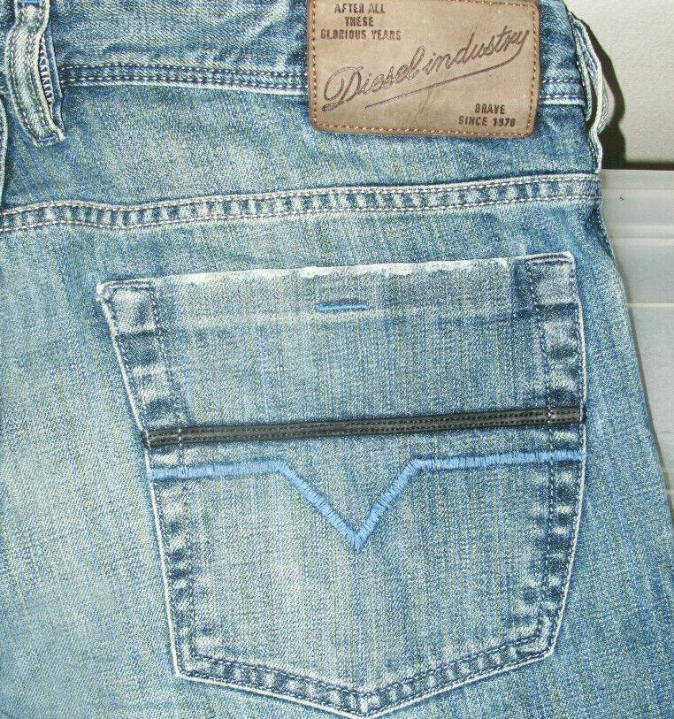 HOT  100% AUTHENTIC Men's DIESEL @ ZATHAN Art 8GB Regular BOOTCUT Jeans 32 x 30