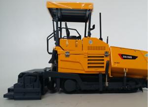 1 35 XCMG Original manufacturer,Asphalt paver engineering vehicle Alloy model