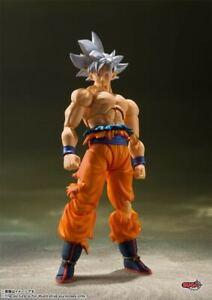 Bandai S.H.FIGUARTS Dragon Ball Super Son Goku Ultra Instinct SHF Figure