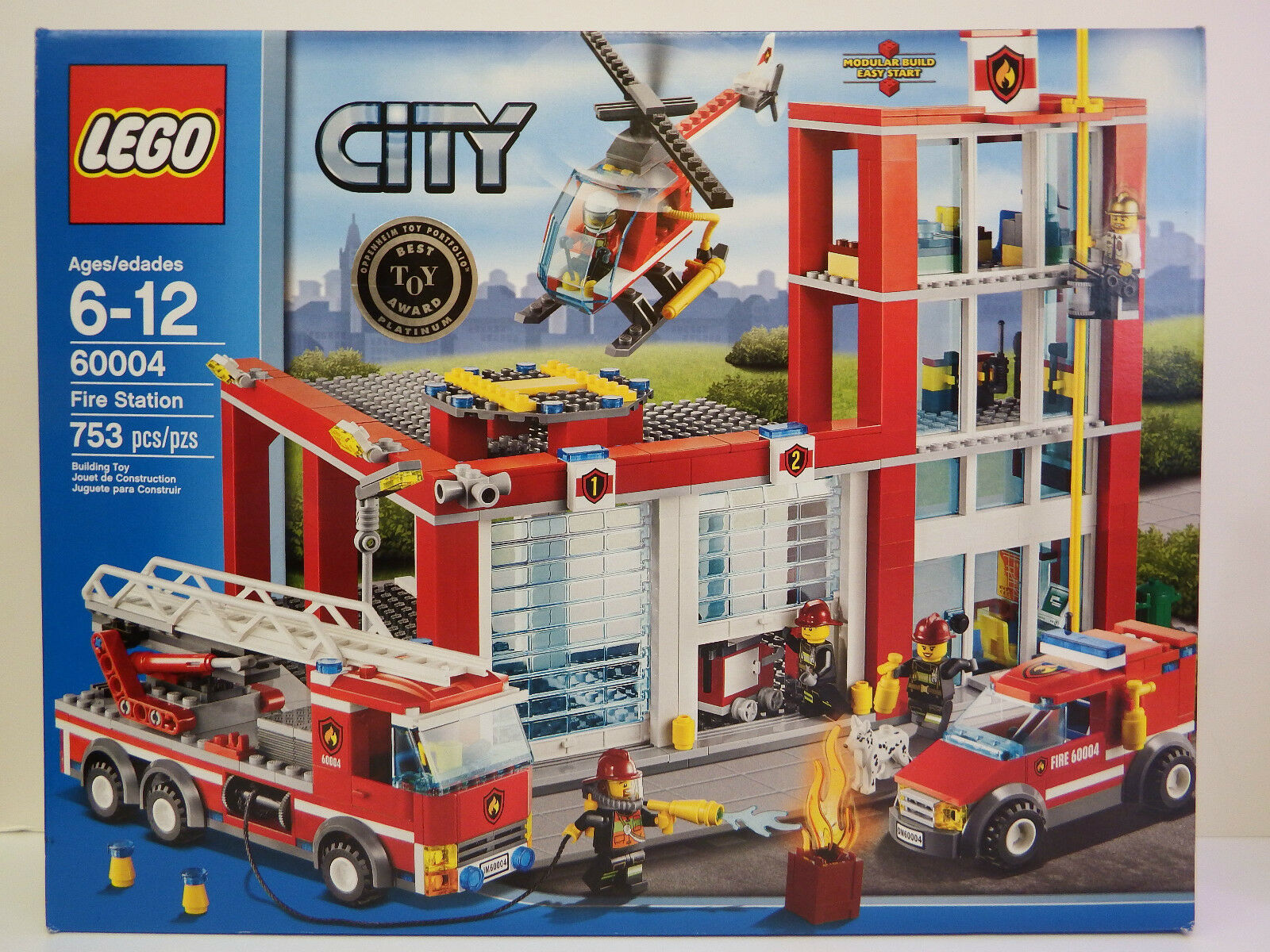 LEGO City - Model    60004 - FIRE STATION - 753 piece set - Ages 6-12 years 09f383