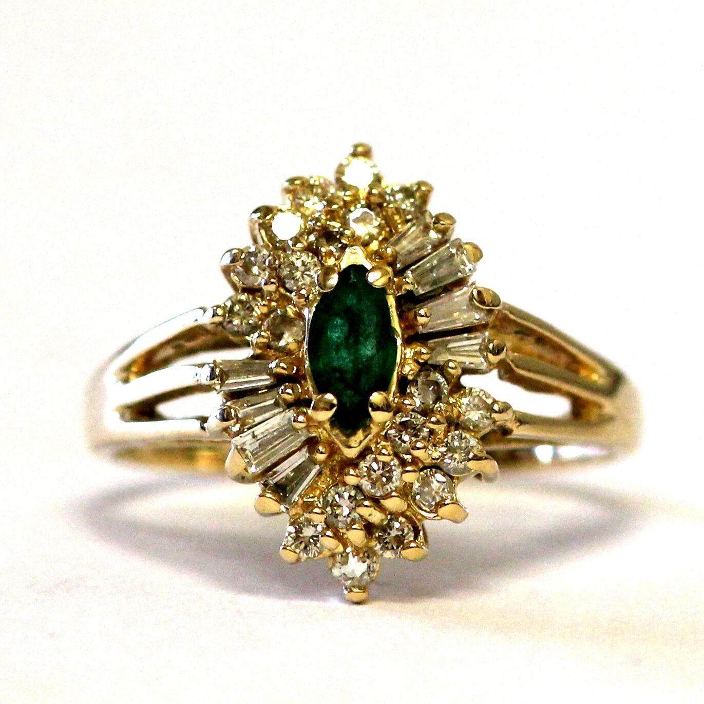14k yellow gold women's VS H diamond .46ct emerald ring 4.5g vintage estate