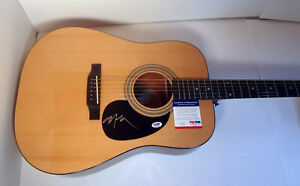 Willie-Nelson-Country-Signed-Autograph-Epiphone-Acoustic-Guitar-PSA-DNA-COA