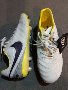 94539b337 A imagem está carregando Nike-Tiempo-Legend-Vi-Ag-Chuteiras-de-Futebol-