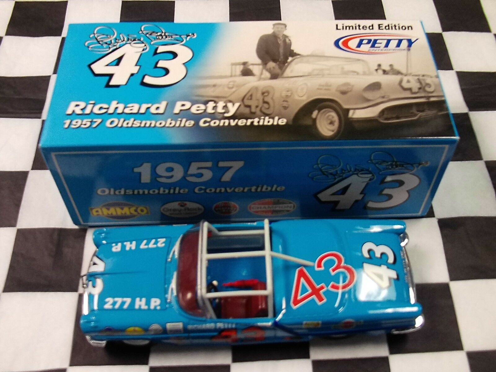 Richard Petty  43 1957 Oldsmobile cabriolet échelle 1 24 Voiture RC2 New in Box NASCAR 4929