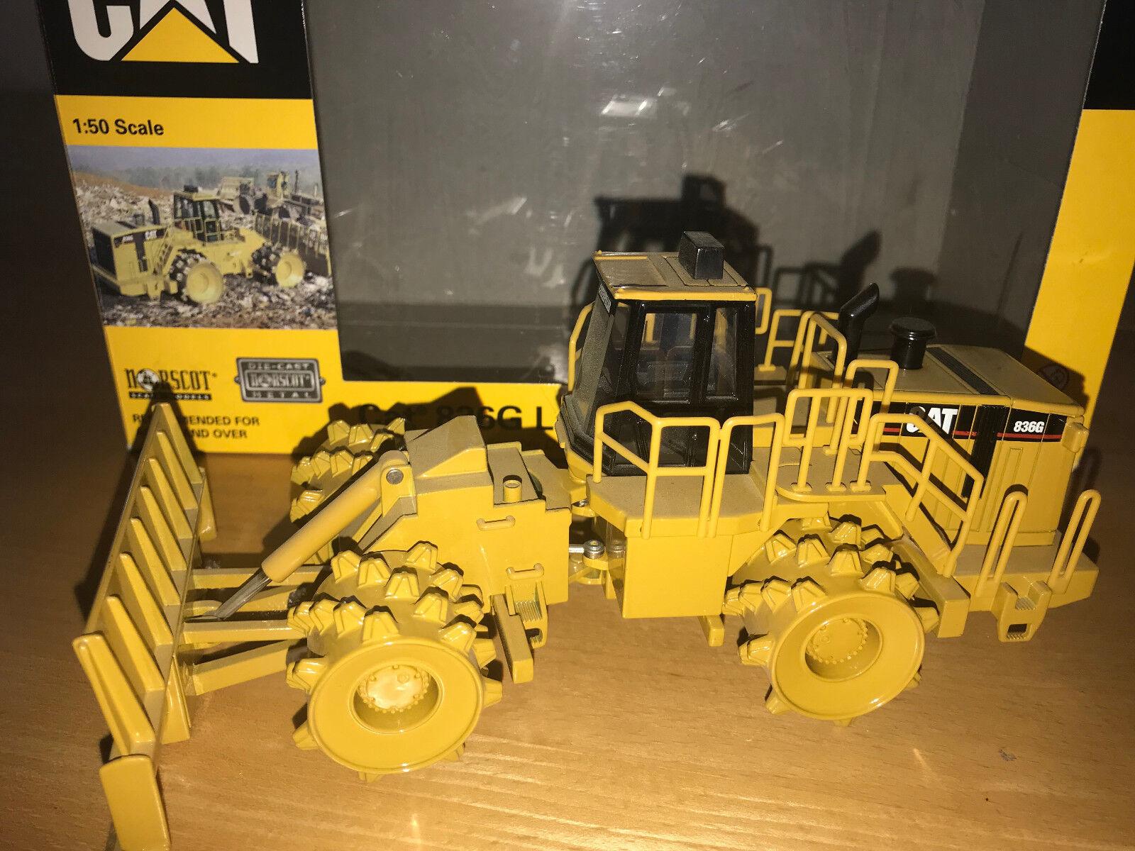 Caterpillar CAT 836G landfill compactor in neuem gelb in OVP v. Norscot  | Schönes Aussehen