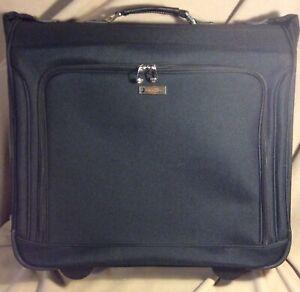 London Fog 1453 Buckingham 44 In Wheeled Garment Bag Black 44142145397 Ebay