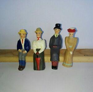 Märklin Spur 1 - 4 sitzende Figuren - Bitte anschauen