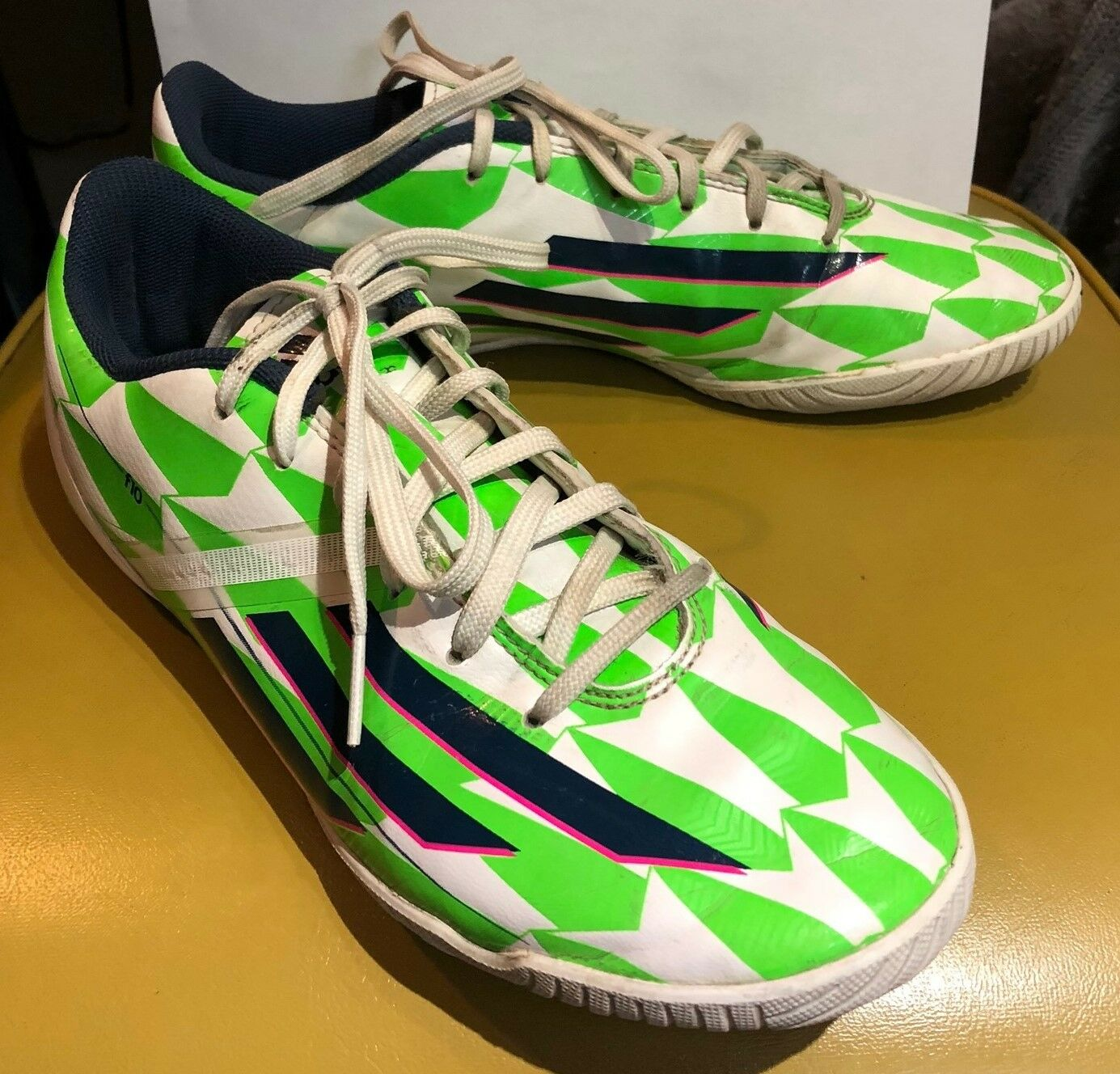 ADIDAS F10 SHOES MEN'S INDOOR SOCCER SHOES F10 SIZE 8.5 Green White d930e1