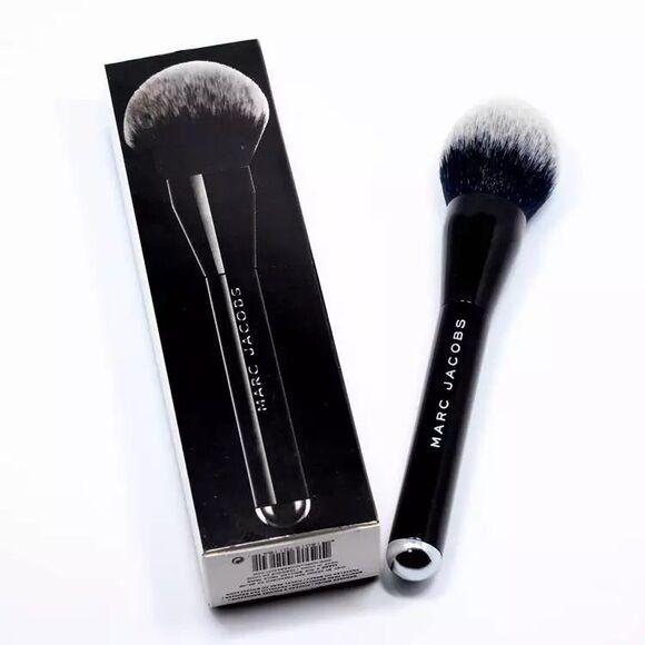 MARC JACOBS: THE BRONZE Bronzer Brush No. #12 NIB 100% Authentic - $78 + Retail
