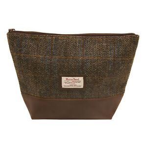 The-British-Bag-Company-Carloway-Harris-Tweed-Wash-bag-in-Gift-Box