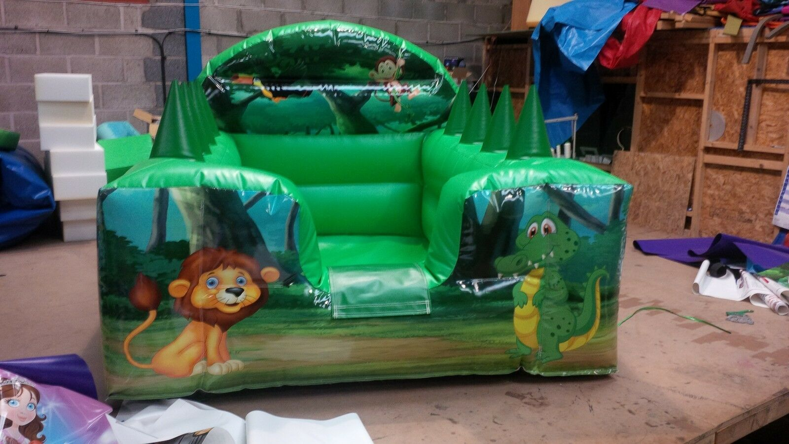 Jungle soft play ball pool