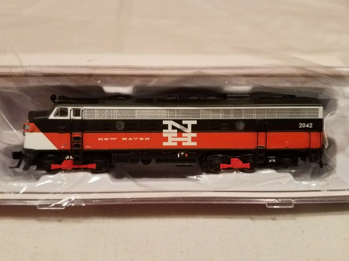 N SCALE RAPIDO TRAINS 15521 EMD FL9 NH EDER-5A  2042 DCC SOUND EQUIPPED NEW