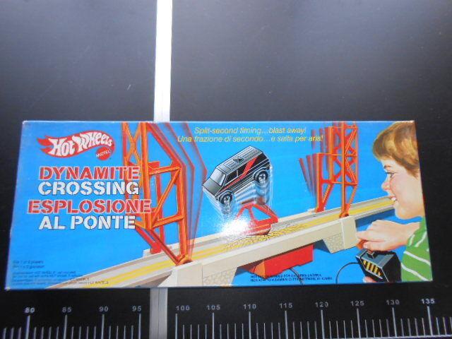 Hot wheels ESPLOSIONE AL PONTE A-team Van dynamite crossing Pista Mattel Vintage