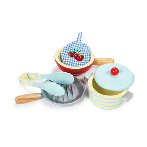 Le Toy Van TV301 Topfset Pfannenset + Zubehör Holz für Kinderküche NEU!     #