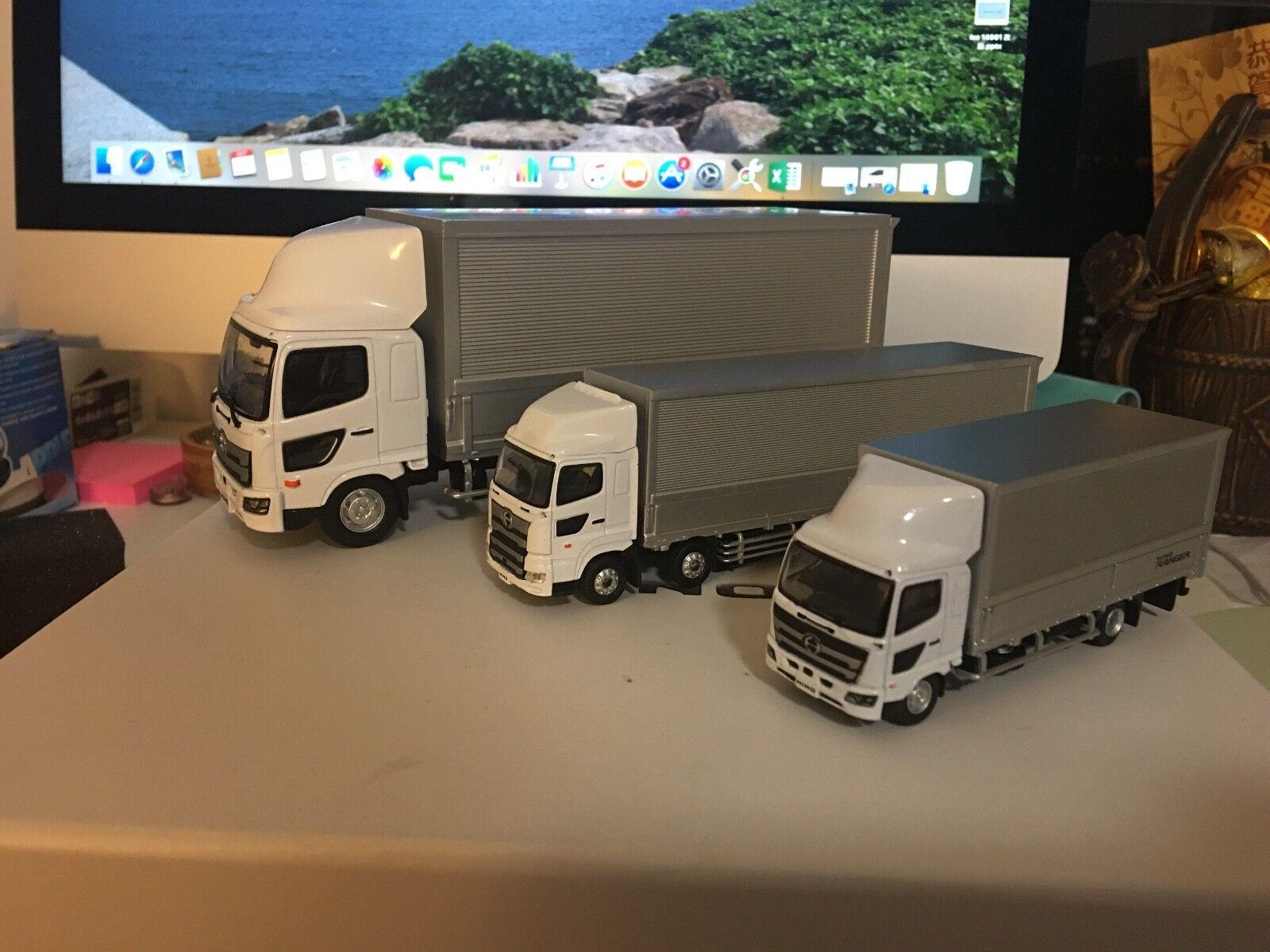 Hino Profia RANGER WING Camion Voiture Modèle Set 1 64 1 43
