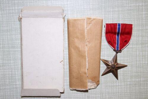 GENUINE WW2 AMERICAN ISSUE US BRONZE STAR MEDAL IN CARDBOARD BOX BROOCH BACK