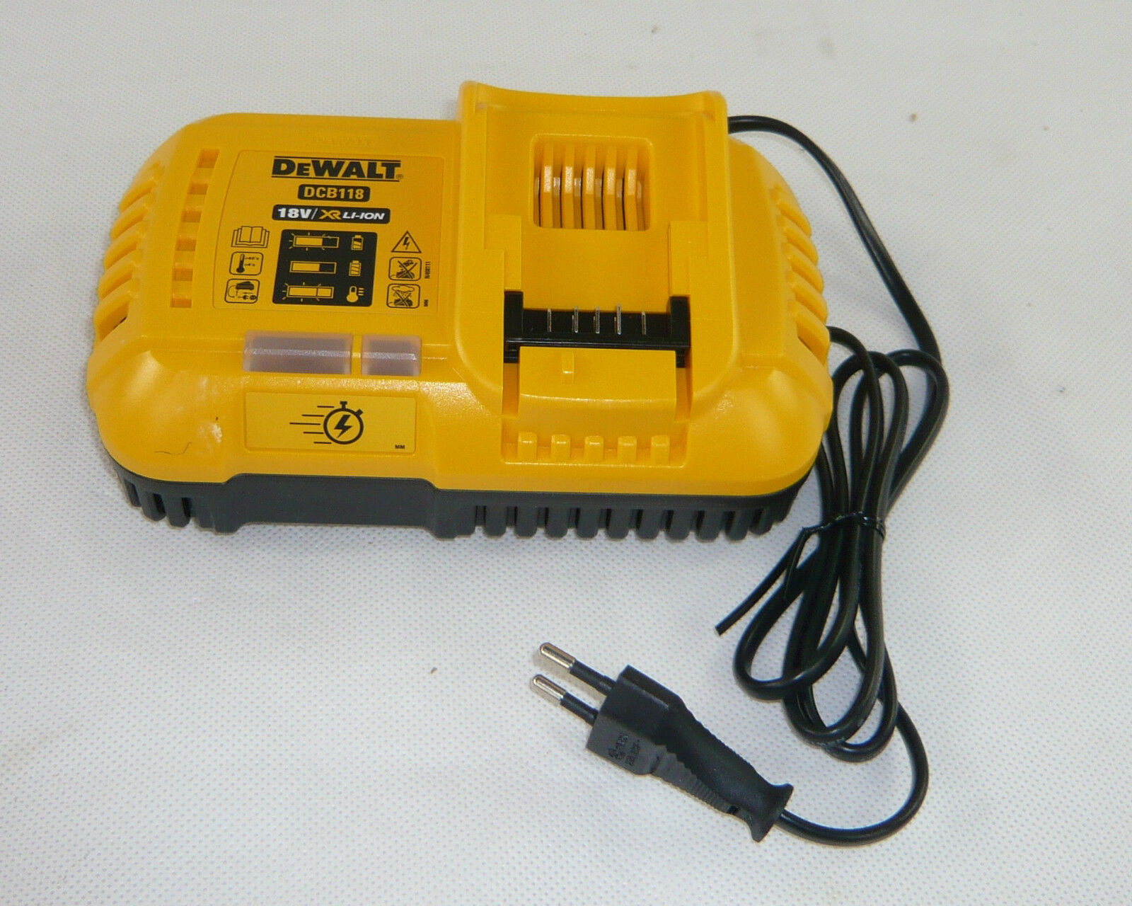 DeWalt FLEXVOLT Akku-Ladegerät Schnellladegerät DCB118 Li-Ion für 18V 54V DCB546