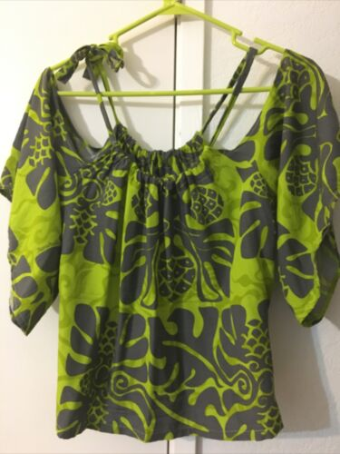 Manuhealii short sleeve blouse