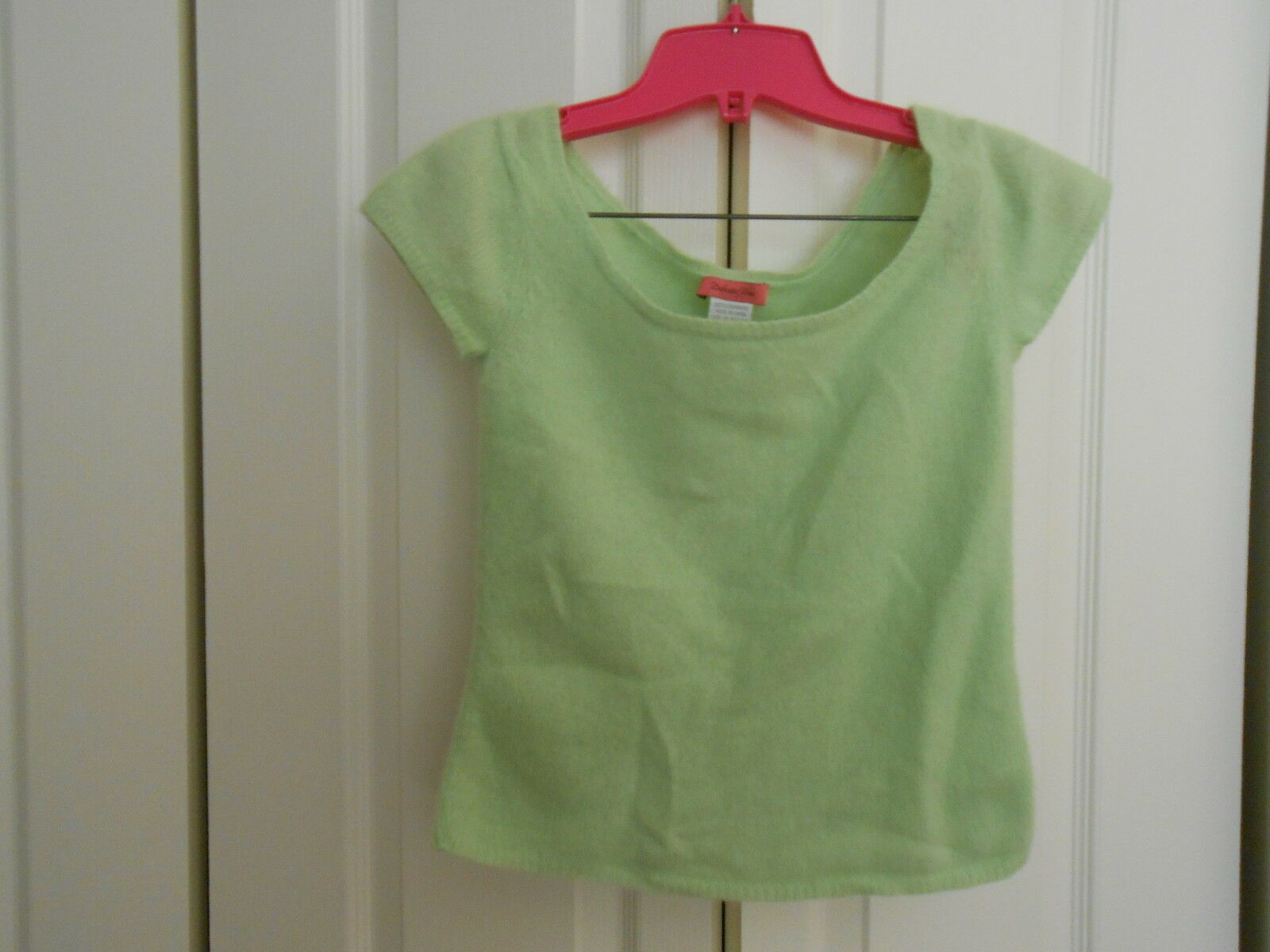 100% CASHMERE BY DEFINITE VIEW--LIME GREEN CAP SLEEVE--SMALL