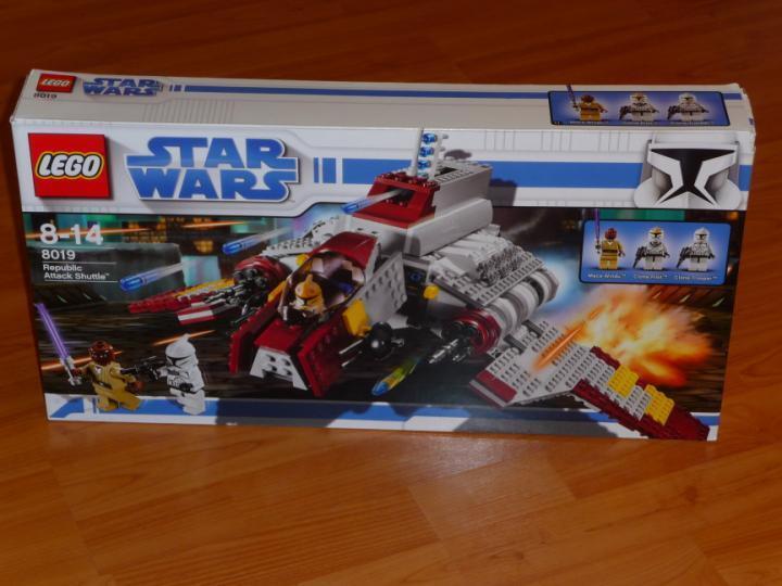 LEGO STAR WARS SAMMLUNG 8019 - Republic Attack Shuttle MIT OVP