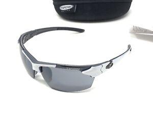 Tifosi Jet Sunglasses, Sports Eyewear, Smoke Lenses, White Excellent Condition