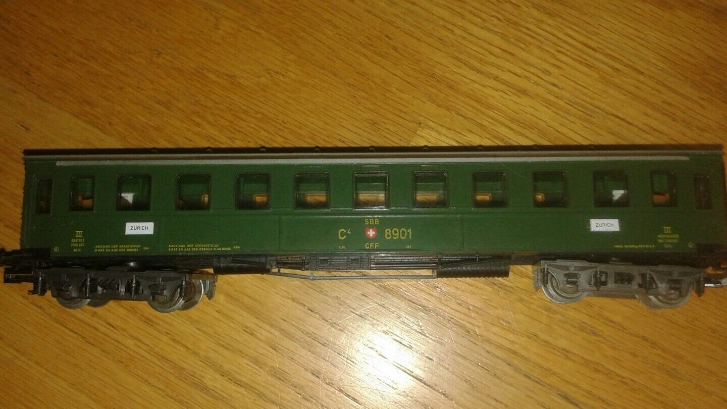 VINTAGE MARKLIN HO SCALE PASSENGER TRAIN CAR
