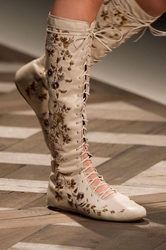 Etro RUNWAY Floral Embroidered Knee-High Leather Lace-Up Boots Size IT36 - RARE