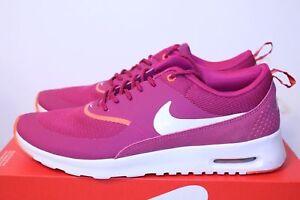 Nike Women's Shoe Hot Pink Magenta