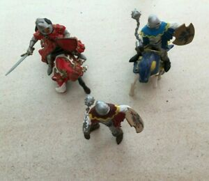 Lot Chevaliers Papo Figurine   Prince Philippe le Rouge   2 chevaux   2 Soldats