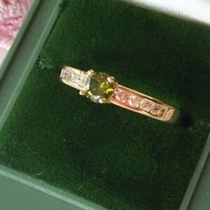 Vintage-Jewellery-Gold-Ring-with-Peridot-White-Sapphires-Antique-Jewelry-sz-L