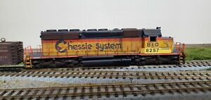Scaletrains-RivetCounter-HO-scale-sd40-2-Chessie-CSX-034-Patch-034-8257-Loksound-dcc