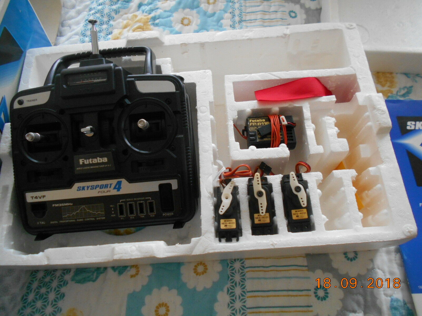 Futaba Skysport T4VF 35MHz FM Transmitter, receiver, servos  for R C BOXED
