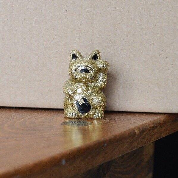 Real x Head Uamou Mini Fortune Cat 2.5 oro Glitter Maneki Neko Sofubi Vinyl
