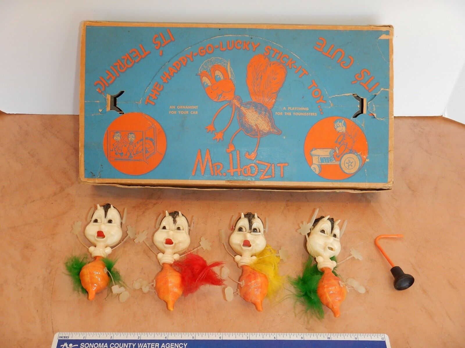 ANTIQUE 1940s  MR. HOO-ZIT PLASTIC NOVELTY TOY & STORE DISPLAY BOX - 4 PIECES