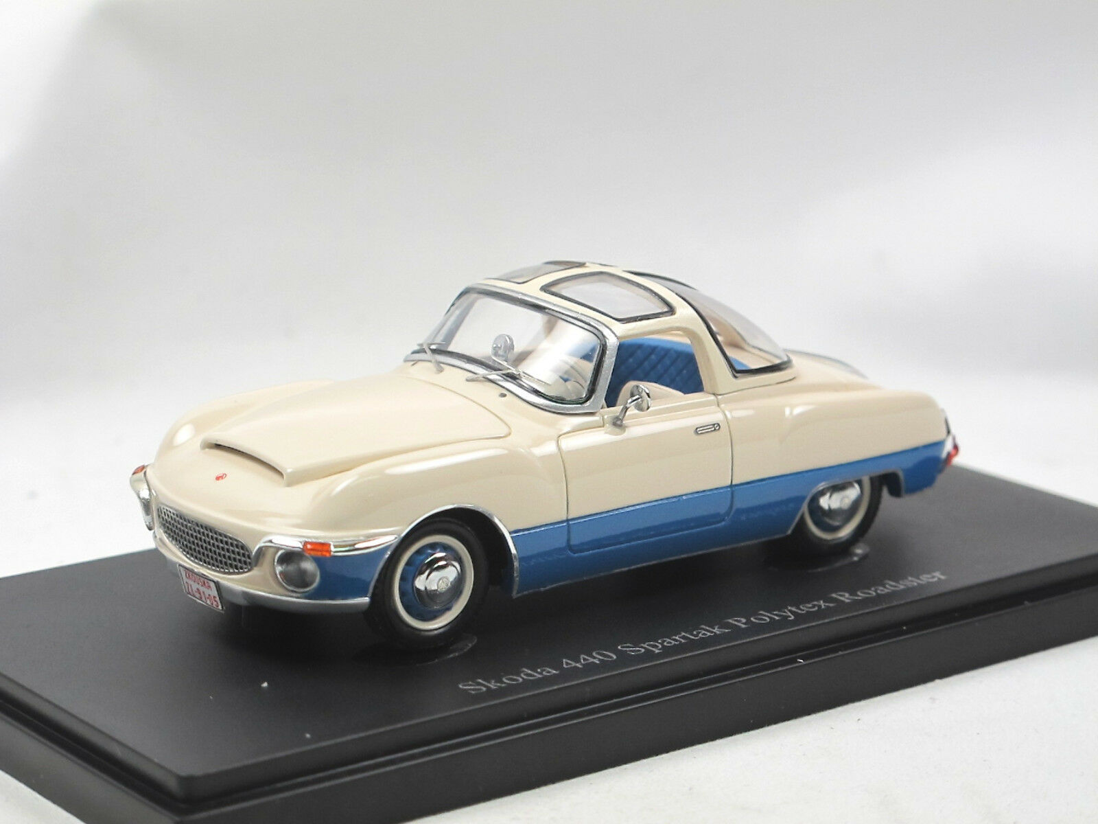 Autocult 06028 - 1956 SKODA 440 Spartak Polytex Roadster Prougeotype CZ 1 43