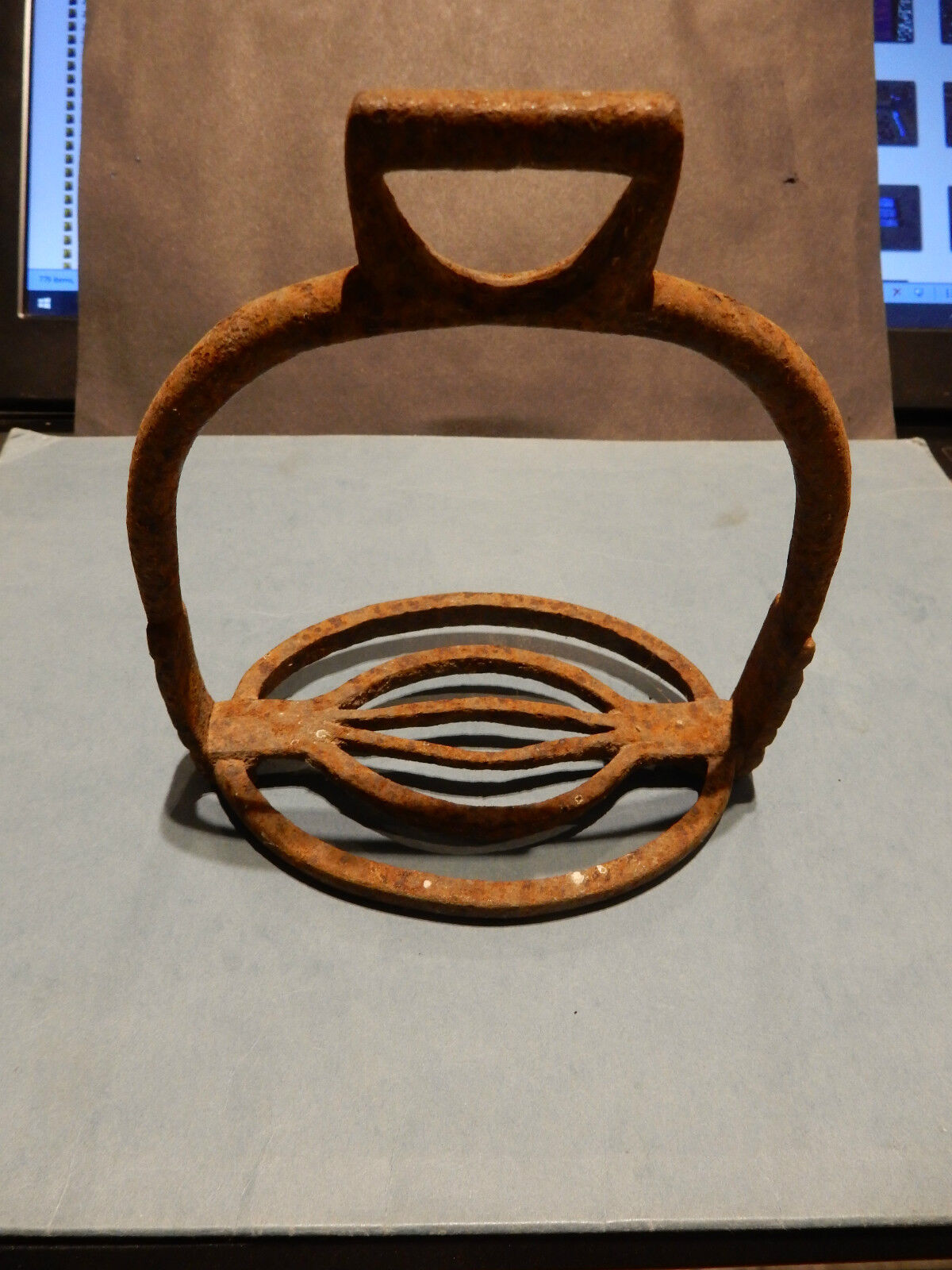 VERRY OLD STIRRUP   BARN FIND  HAND WROUGHT IRON
