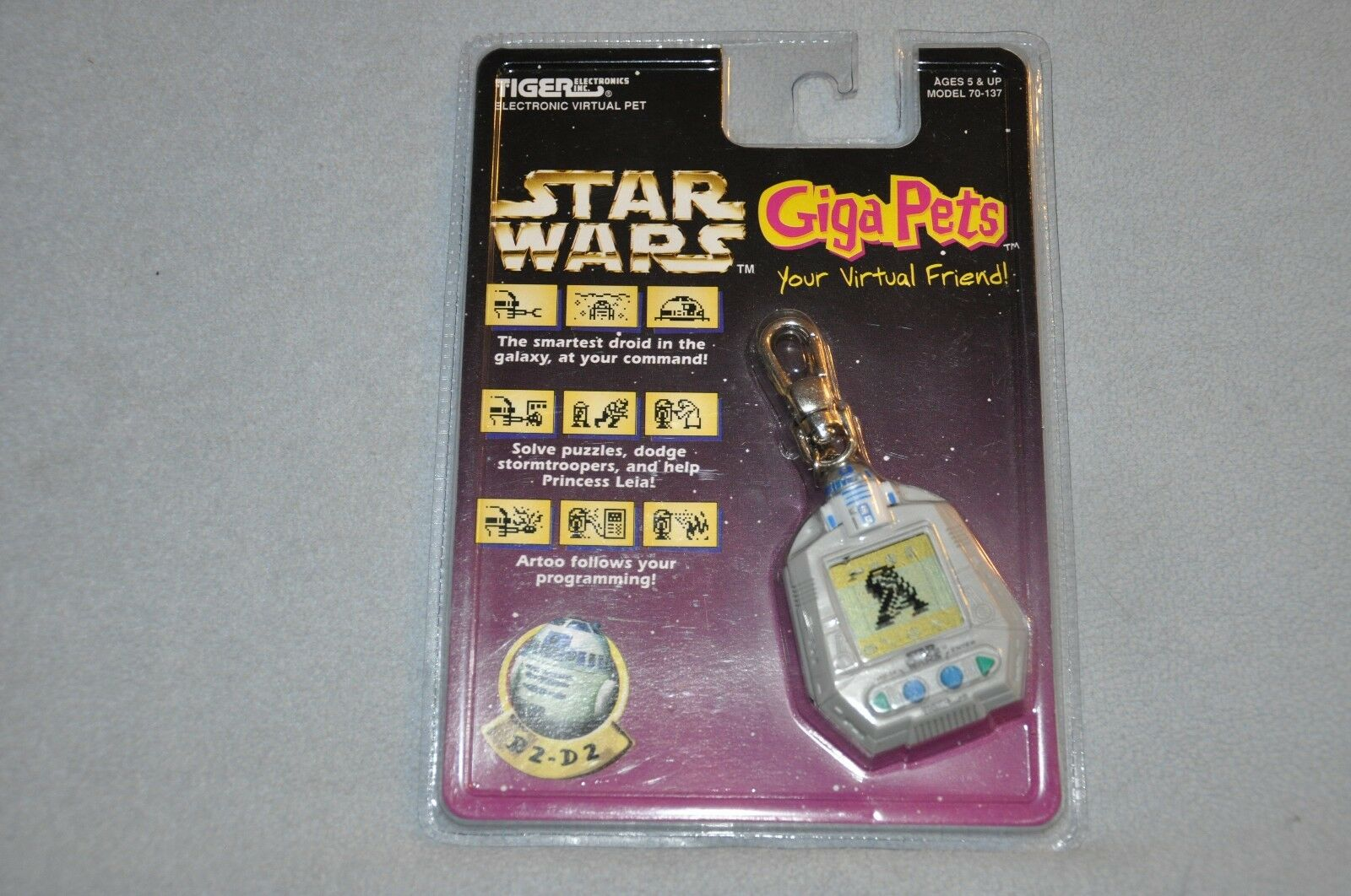 Star Wars R2-D2 Giga Pet Tiger Electronics Keychain