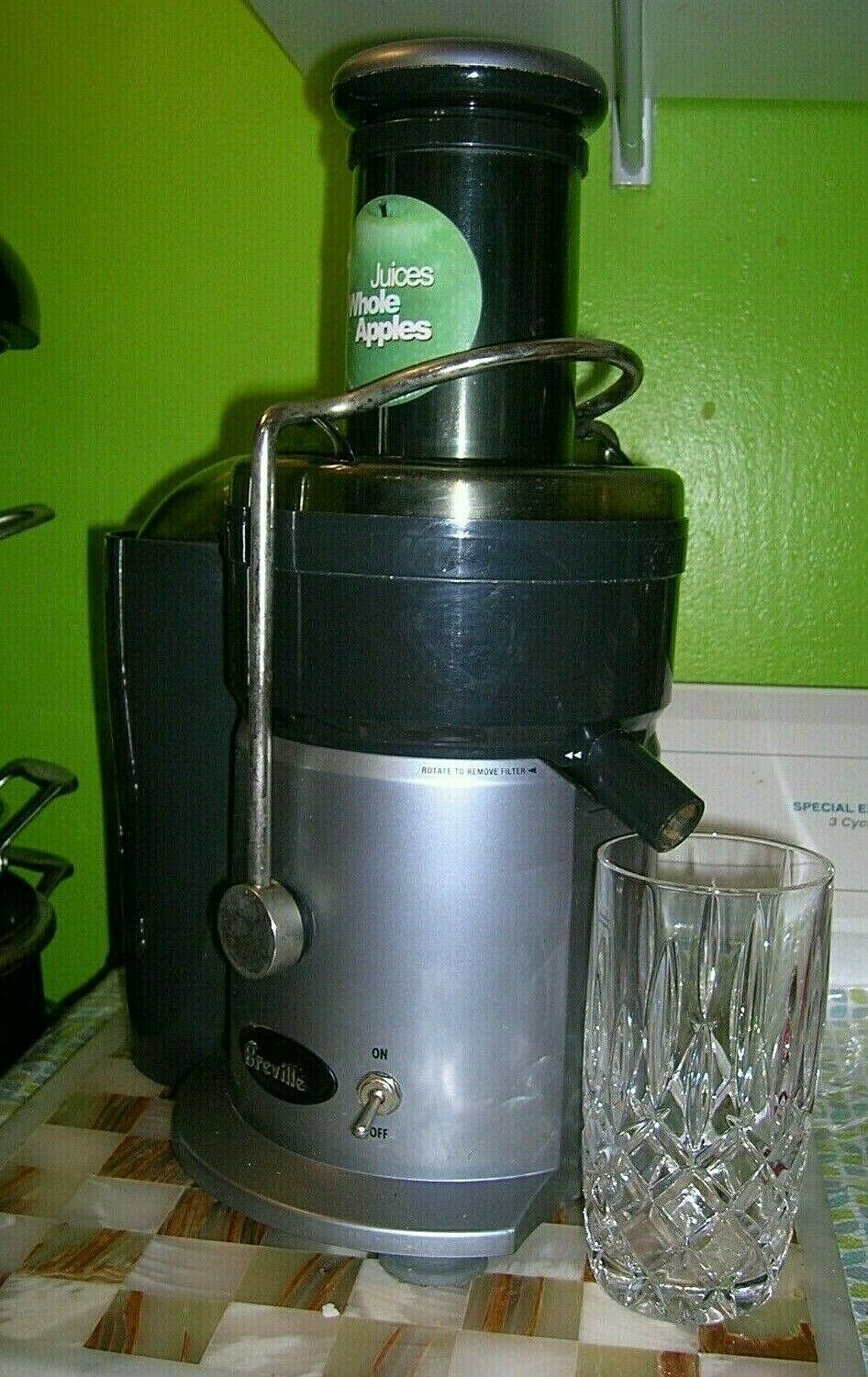 Breville Juice Fountain Professional Juicer Extractor JE900