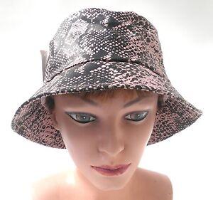 Regen-Hut-Schlangen-Optik-schwarz-rosa-Wetterhut-Damenhuete-Damenmuetzen-Herbst