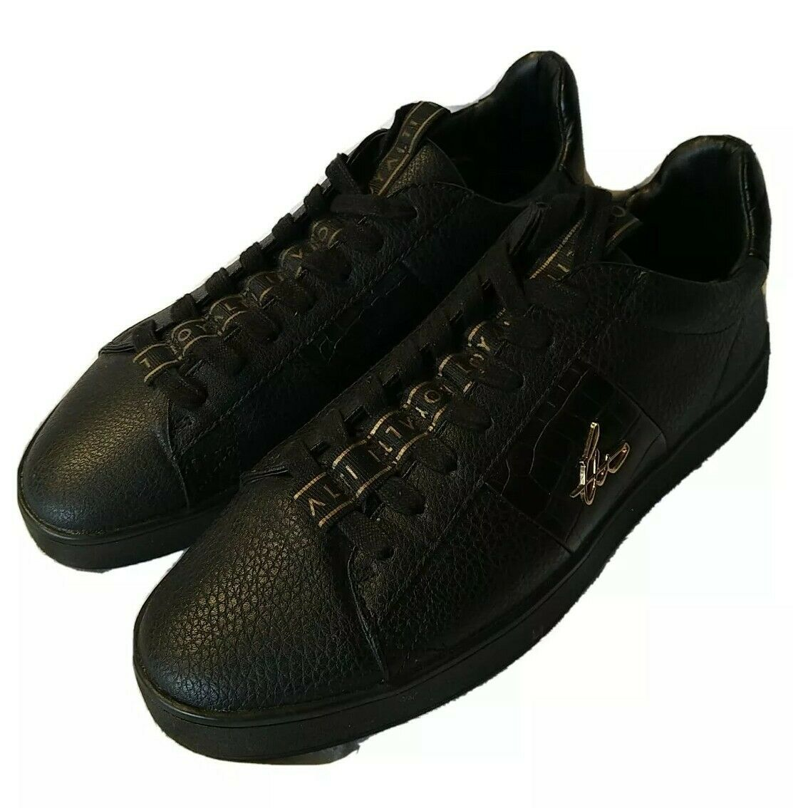 Loyalti trainers black With Gold Size 6 Unisex